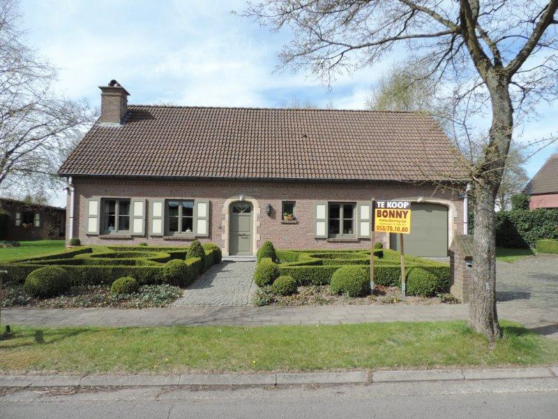 Villa verkocht aalst 9300 filip bonny aalst 9300 for Huizen te koop belgie
